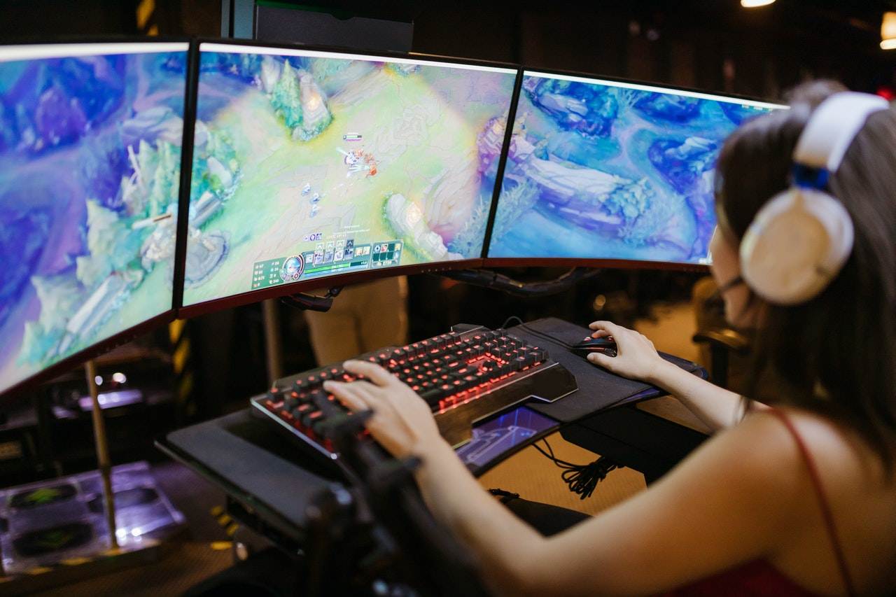 The Rise of E-sports in the Gaming Industry